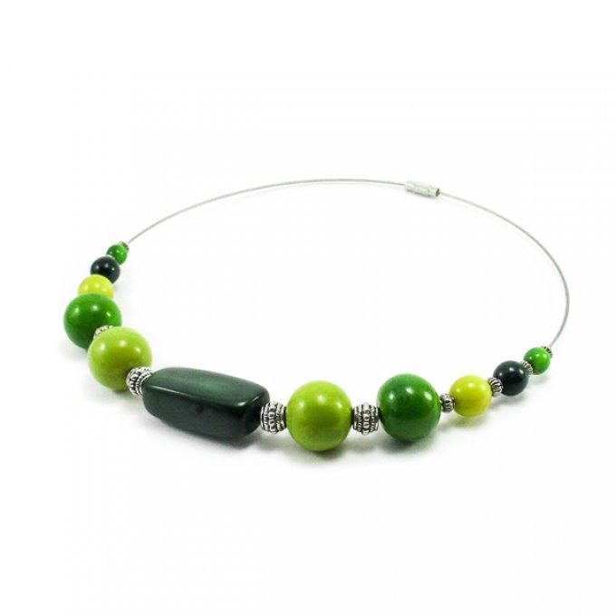 collier fantaisie en ivoire v g tal vert tagua. Black Bedroom Furniture Sets. Home Design Ideas