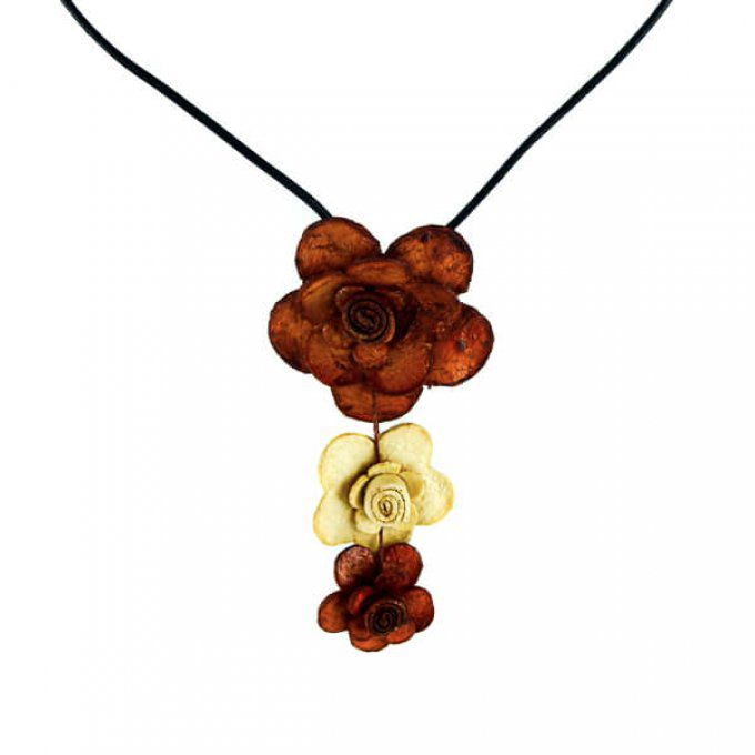 Collier naturel fleur en peau d'orange